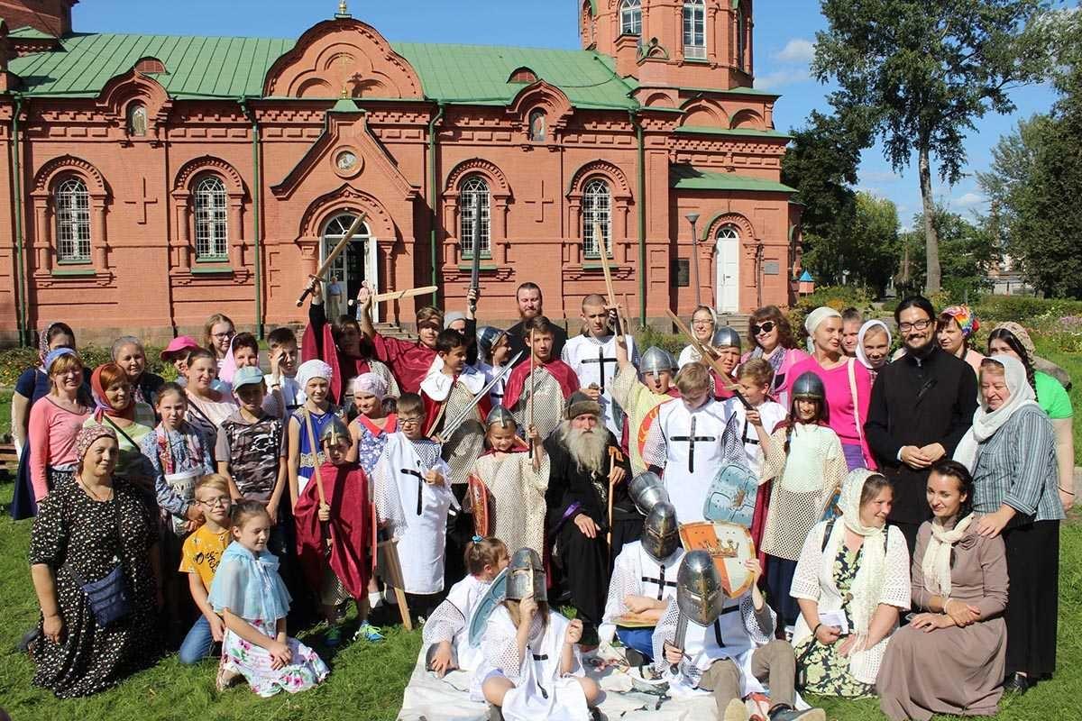 Паломническо- туристическая поездка по местам славы Александра Невского